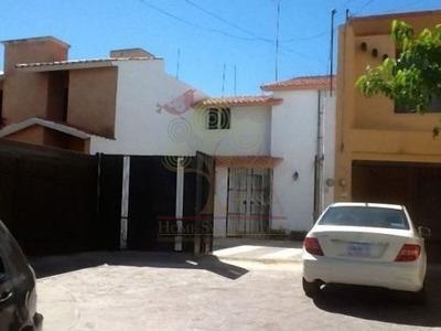 Renta Hermosa Casa Amueblada Con Inmejorable Ubicacion!!!!
