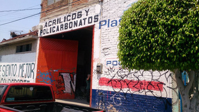 Local Comercial En Venta Ubicado Barrio De San Miguel León Gto.buena Ubicación Sobre La Calle Centenario, Precio Por Debajo De Avaluó, Fáciles Accesos Y Entrada Para Camión, Luz Bifasica, Entrada P