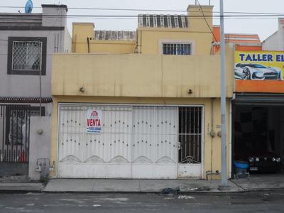 Casa Sola En Barrio San Luis 1 Sector, Ave. Mona Liza