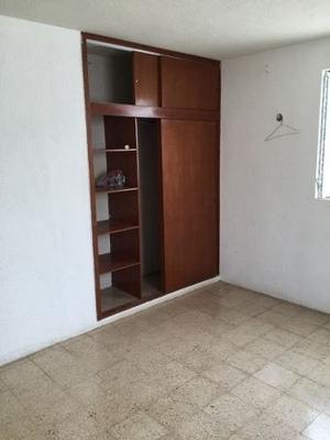 Casa 2r Y 1b Recien Remodelada Centrica