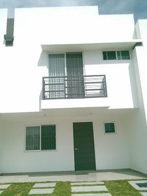 Estrene Casa En Renta En Portones Del Valle