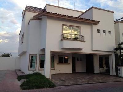 Estrene Casa En Rincon Alameda, En Desarrollo Urbano 3 Rios