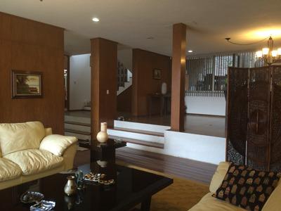Amplia Y Cómoda Residencia Con Departamento Independiente