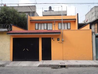 Casa Sola En Carlos Hank Gonz?lez, Cedro