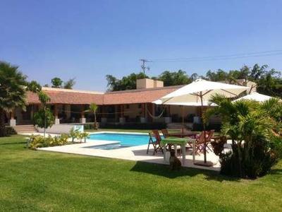 Casa Sola En Lázaro Cárdenas, Privada Del Manantial