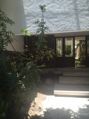 Hermosa Residencia De Amplios Espacios Y Gran Jardin