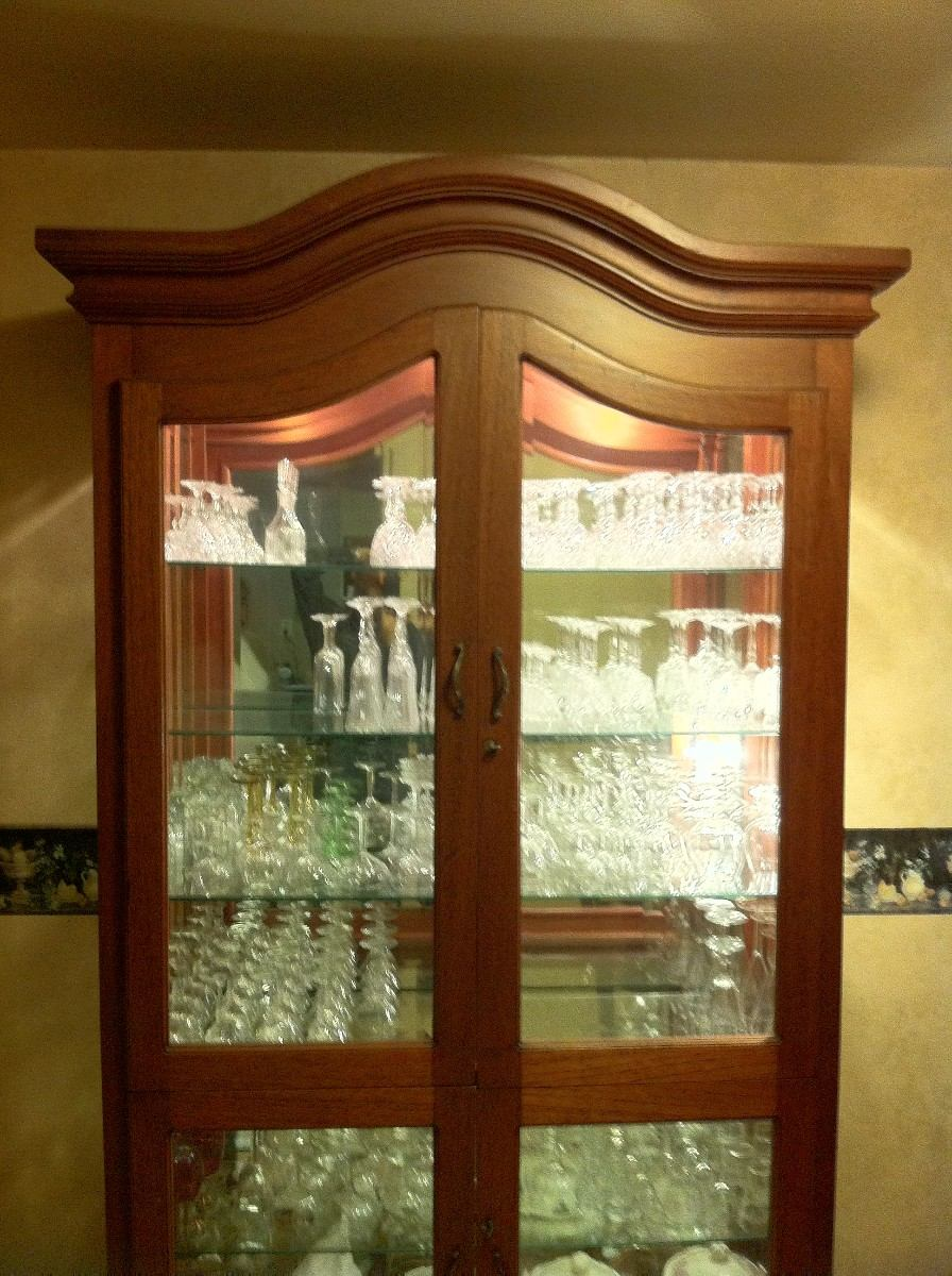 Comedor caoba real iluminado para cristaleria cocina for Muebles para cristaleria