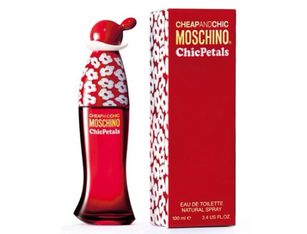 Moschino cheap and chic chic petals 100 ml perfume para Inexpensive chic